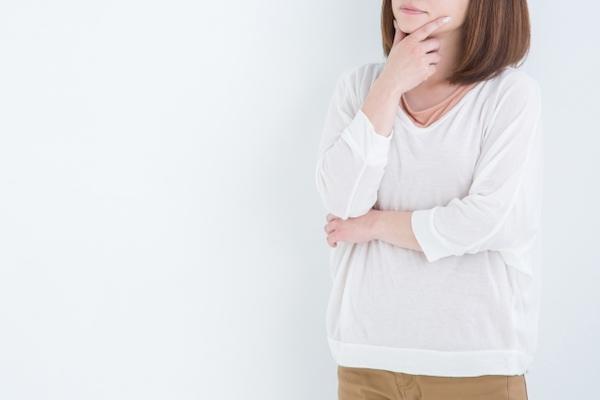 オーダーメイドを検討する女性