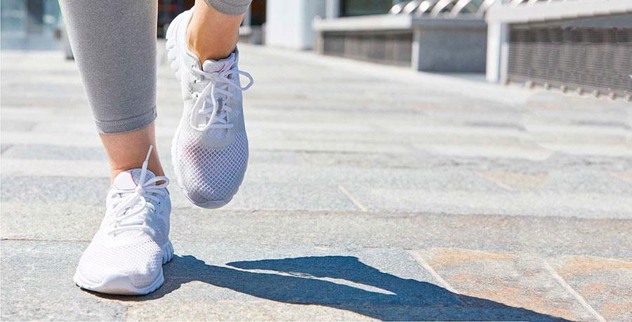正しい歩き方で足トラブル改善、脚やせ、美脚へ